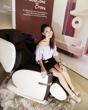 Trying out #OSIMuLove is such an incredible and amazing experience!😌 I love the inbuilt audio system, the heating sensation at the back and many more features about this 白马王子 massage chair. You can read my experience and thoughts about #OSIMsg uLove massage chair on my blog to find out more! 😘 #clozette