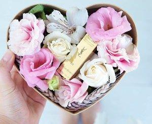 YSL lipstick is love!! #ブロガー #化粧品 #化粧 #コスメ #メイク #今日のメイク #メイクアップ #リップ #口紅 #美容 #シャネル #ルブタン #トムフォード #cosme #beautyjunkie #beautyaddict #ilovemakeup #likeforlike  #luxurymakeup #luxurybeauty #highendmakeup #slave2makeup #flatlay #makeupflatlay #makeupblogger #beautyflatlay #lipstickjunkie #clozette #clozetteambassador