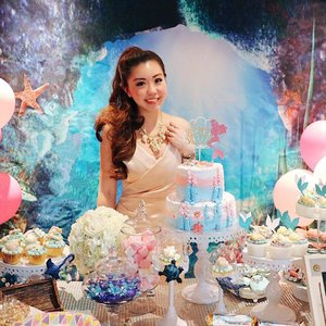 Blogged about #sharonsbirthdayparty! Was actually live since last night. Go over and have a read at http://sharonachia.com/my-enchanted-underwater-mermaid-theme-birthday-party/ or link in bio. 💋  Thank you everyone for turning up as well as my sponsors:  @sapphiretouch  @mav.is_l3p  @beikeryy  @polliepapeterie  @zizou_cake_boutique #absolutelyj. The party was a success and it will be a #birthday I'll never forget! #mermaidcake #mermaidtheme #sofitelsentosa #sofitel