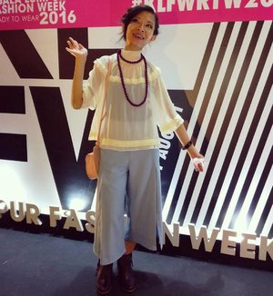 Day 4 of KL Fashion Week 2016 - 7pm shows (Celest Thoi×Sarakichi, Jimmy Lim, Hayden Koh, Wanpa) & 9pm shows (Syaiful Baharim + House of Dolls by Fazura) Wendy Blouse by #monki @monki || Inner Tank Top by #mng @mango || Front Slit Cut Culottes by #nine2fiveclothing @nine2fiveclothing from @zaloramy || Necklace by #lvwkl @lvwkl || Mini Moon Bag in Rose Quartz by #sakuramalaysia @sakuramalaysia || Fringe Boots by #zalora @zaloramy #mynewzalora. 👢👜👕👖 #klfwrtw2016 #day4 #klfw2016 #klfw #200816 #lotd #ootd #wiwt #fashion #style #streetwear #camwhore #camwhoring #instaphoto #instapic #igers #fashionista #blogger #fashionblogger #lifestyleblogger #influencer #starclozetter #clozette @clozetteco @klfashionweek