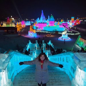 I came here for this. Unbelievable I'm standing on staircase made of ice  #jessyingtravel #jessyingchina #harbin  #china #travelgr8 #travel #travelgram #wanderlust #icefestival #clozette #instatravel #icesculpture #ice #snow #winter #iceworld #ig #igtravel