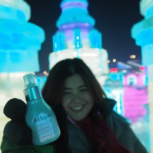 One of my biggest worry before I went for my trip to Harbin for winter holiday was the harsh weather (-30 Celsius) that my skin will be exposed to.  I'm glad to tell you that not only my skin survive but it was behaving really well during my trip. I'm glad that I brought @jurliquemy skincare along especially the Herbal Recovery Advanced Serum. Truly thankful from the bottom of my heart.🙏 #jessyingtravel #jurliquemy #clozette #skincare