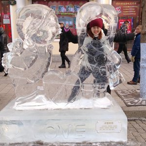 First ice sculpture spotted in Central Street, Harbin  #jessyingtravel #jessyingchina #harbin  #china #travelgr8 #travel #travelgram #wanderlust #clozette #instatravel #icesculpture #ice