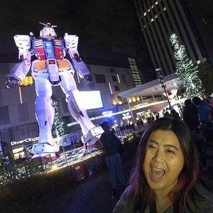 This life sized Gundam statue so freaking amazing!  #jessying #jessyingtravel #jessyingjapan #jessyingtokyo #Tokyo #Japan #travelblogger #traveltips #yolo #wanderlust #winterholiday #igtravel #travel #travelgram #traveltip #solotraveller #instaphoto #instatravel #traveller #wdmalaysia #instagrameroftheyear #mycloud #clozette