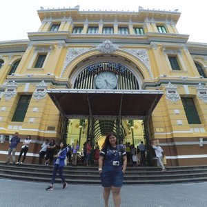 Come Saigon must visit their post office. Beautiful architecture inside inspired by French. Entrance fee is free. They gave out free postcard but its finish when I was there, or else buy the cheapest one Rm1 (VND5k) to send one home  #jessyingtravel  #adventure #travel #travelgram #travelingram #clozette #travelblogger #instatravel #traveller #backpack #travellife #travellikealocal #traveldiaries #instalike #photography #travelphoto #instago #jessyingvietnam #vietnam #hochiminh #travelgoals #jessyinghochimonh #traveltip
