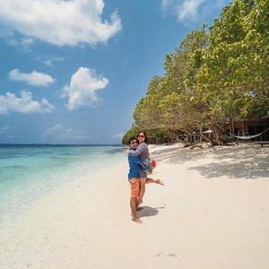 Bring us back to paradise 🏝 #throwback #tebishatravel #maldives #amillafushi #honeymoon #KYTwedding #clozette #travel #holiday #vacation #beach #beachvacation #beachholiday