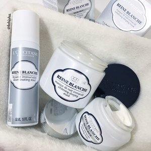 New Skincare for the month of May!❄️Reine Blanche Whitening Sleeping Mask❄️Reine Blanche Illuminating MistPlus the newest addition to Loccitane Reine Blanche Family:❄️Reine Blanche Whitening Rich Cream🌷Reine Blanche Complex contains active natural ingredients, Reine des Pres flower extract & White Mulberry root extract, which are naturally high in salicylic acid and Vitamin C, thereby reducing skin pigmentation for a visible whitening result while being gentle to skin.☁️After my Maldives trip, my skin became tan just in time to start Reine Blanche range for a brighter and fair skin.Can't wait to show the results in a month time!Swipe next for close up pics of the cream and sleeping mask 😊#ReineBlanche #loccitanesg #loccitane #whitening #skincare #beauty #clozette