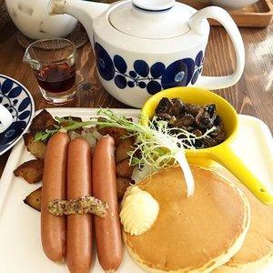 My kind of breakfast, has to be savoury! They have yummy pancakes too! #tebishatravel #clozette #uznaomom #杏桃鬆餅屋 #pancakes #taipeicafe #taipei #foodporn #instafood