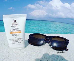 Kiehl's Ultra Light Daily UV Defense Sunscreen came in just in time for my Maldives trip! ☀️🏝I love how it absorb into my skin promptly and leave no white layer on my skin.Application is fuss-free and lightweight texture 👍🏻#kiehls #kiehlssg #sunscreen #skincare #tebishatravel #travel #maldives #amillafushi #travelogue #honeymoon #beauty #clozette