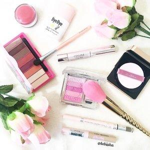 Pink for Tuesday 💖 Tap for deets 💕 #motd #makeupoftheday #makeup #beauty #clozette #clinquesg #thefaceshopsg #jillstuartbeauty #dralthea #beautymaker #tarte #kpalettesg #etudehouse #etudehousesg #esteelauder #esteelaudersg #houkodou