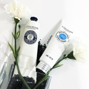 L'Occitane all-time favourite Shea Butter Hand Cream now comes with Intense Hand Balm! ✨Shea Butter Intense Hand Balm enhanced with 25% Shea Butter. Giving hands soothing effect and extra moisturising benefits. We can also enjoy it as a hand mask, apply generously on hands, leave on for 10 mins. Hands will feel exquisitely soft and smooth! ✨Also introducing a new product added to the Shea Butter range, the NEW Comforting Foaming Cleanser. Enriched with 5% Shea extract, perfectly cleanses the skin while leaving it soft, comfortable and hydrated. Comforting Foaming Cleanser is one of the most gentle Cleanser I have used. Doesn't dry my skin and no tightness feeling after wash. Extremely gentle and perfect for sensitive skin, the Shea Butter scent makes my Cleansing process enjoyable and comforting ☺️ ❤️Shea Butter Intense Hand Balm 150ml, $46 ❤️Comforting Foaming Cleanser 125ml, $33 ☀️Now available at all #LoccitaneSG boutiques! #Loccitane #beauty #handcream #sheabutter #skincare #facialcleanser #cleanser #clozette