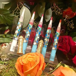 ✨Sneak preview✨ Anna Sui Christmas Collection 2016. Liquid Lip Pens 😍 ⭐️5 Shades available! Can't wait for it to release! #annasui #annasuisg #lippen #lipstick #beauty #makeup #christmas2016 #luxasia #luxasiasg #clozette