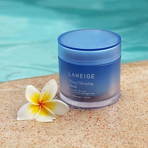 @laneige_us water #sleepingmask #review  this adds an additional moisture boost to my skin. i apply this at the last step of my routine before i go to sleep leaves my skin moisturized in the morning without breaking me out. just wish they did not add that extra blue coloring.  #youniqbeauty #clozette #abblogger #abcommunity #beautycommunity #beautyblogger #bblogger #bbloggerph #kbeauty #kbeautyph #rasianbeauty #laneige @laneige_kr @laneigeph #skincare #skincareaddict #skincareroutine