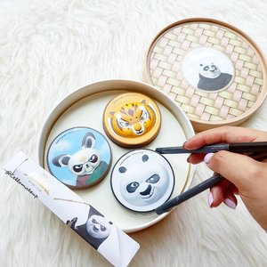 DimSum anyone? 😆😉 Had to say this is one of the cutest set ever 😍😍 Enjoying this kungfu panda set while waiting for marvel set to land in store @thefaceshop_sg 😊  #tfs #kungfupanda #dimsum #clozette #abcommunity #kbeautyblogger #makeupporn #makeupgeek #100daysofmakeup #makeuptalk
