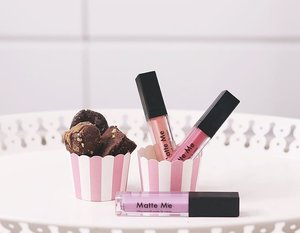 Sweet treats ♥️ new summer shades of @sleekmakeupph Matte Me lipsticks — french fancy (pink), apricot blooms (peach), crushed lavender (purple) ••• Thanks for sending these sweet desserts over @bakeologymajor. Loved the oreo crinkles! 🍫 #mattemeisback #sleekmakeupph