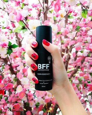 • • • E S S E N C E • • •  Love @bff_singapore's all-in-one Skin Essence, launched since 31st December 2016. With it, my skin glows with radiance like the pink blooms here! . I would say BFF all-in-one Skin Essence is my Best Friend Forever, as it solves & treats all my skin problems. Suitable for all skin types, it aims to repair & restore my skin regardless of my current skin conditions. I really dig the texture because it leaves absolutely no sticky residue on my face as it is water based! . With key ingredients like Glycerine & other anti-oxidants elements, BFF Skin Essence has the ablility to hydrate, brighten, control oil secretion, & firms up the skin. Using NanoDispersion technology, it allows fast skin absorption of the essence, for instant & long-lasting effect. It works well for all skin types. . BFF is having a promotion NOW! Visit their website at www.bff.com.sg to shop & buy 2 for the price of 1, discount will be applied automatically upon checkout. Which literally means Buy 1 Get 1 Free! . Follow #BFF_Singapore on Facebook https://www.facebook.com/bestfriendforeversg/ for more updates! . <ADV>  #MadeInSingapore #BFF #Essence #SupportLocalBrands #advertorial