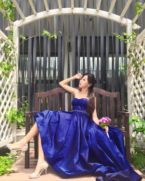 • • • C O U T U R E  G OW N • • •  Thank you for dressing me in the enchanting sapphire blue luxury gown by @thecabinetarmoire, designed by Indonesia designer @yuritapuji. This beautiful gown brings out the best in me without a doubt! Absolutely my style, a midi long gown which elongates my legs, the fabric was all comfortable & exudes classic elegance. . Visit www.thecabinetarmoire.com for their bespoke ready-to-wear couture collections & more. . <SP> . #sponsored #sponsoredpost #photoshoot #indonesiafashionweek #weddinggown #readytowear #kanyacouture