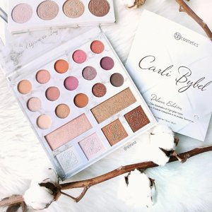 Finally got the time to play with my new #CarliBybel Deluxe Edition eyeshadow palette! Absolutely love the first edition and I always have a couple of extras in my drawer as stand-by presents. Now with the second edition, its bigger and better! The highlights and colours are a dream to work with! Swatches coming soon!  #BHcosmetics #clozette