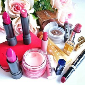 Lip loving products!1) #SugarLipPolish and lip balm with SPF - a brand with a line of products dedicated to the lips, well raved for a good reason! Brown sugar crystal buffs away dead skin. #sheabutter and #jojoba oil nourishes my lips. I follow after with my tinted lip balm with SPF for protection! 👄👄2) #BurtsBee tinted lip blam - No hiding, I am a fan of #tintedlipbalm and these are my favs! Must haves for overseas winter / cold travels, never had cracked lips after discovering this product! Lasting natural color tint on lips, no need for lipsticks. Heard about how the other ranges from Burt's Bee don't work as well, so don't get the wrong range!💋3) #ElizabethArdenSG Beautiful Color Moisturizing Lipstick in #Matte Shades - Matte lipsticks tend to dry and crack my lips but this new #ElizabethArden range is surprisingly moisturizing! Creamy texture with a intense, velvety matte finish. Im saving up this number for days in need of confidence boosting! Heavenly chocolaty smell. Color shown here is 'Bold Red'❤4) #Dior Serum de rouge - Packed with skincare ingredients that is 10 times more concentrated to provide moisture, volume and soothing benefits immediately upon application, the most luxe tinted lip balm in my collection.💓5) #LaneigeSG #LipSleepingMask - A light lip mask suitable for everyday use in this hot and humid weather. Not fond of wearing lip masks to sleep, I wear this for non-rushed laze in bed mornings. Fast absorb - a little goes a long way!💖6) #VecuaHoneySG Honey Lip Gommage - Lip polish in a convenient and hygienic tube! Love the sweet real sugar and honey taste! Best part for this baby is the after effect. No need to rinse, just dab off the sugar and leave the honey on the lips for a deep moisturizing effect. Makes lipsticks last longer!👍7) #BiteBeauty Lipsticks - Organic and edible - chemicals free with lasting pigments, a lip and health loving brand worthy in this list!💝 Let me know if you have tried any of these products or have other #liploving 