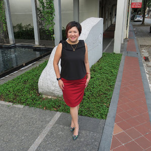 Happy Thursday Lovelies! Hang in there the Long weekend is just round the corner! .  Red with Black Combi gives you an edgy, rock & roll feel don't you think? .  Outfit:: @nanzsingapore Shoes:: #AlegraSingapore .  #shenwendys #fashionista #fashionaddict #stylish #fashionstyle #yummymummy #corporatecatwalk #likeaboss #fashionblog #instafashion #style #fblogger #fashion #outfit #love #beautiful #glambassador @glambassadorofficial #bloggerbabes @thebloggerbabes #workingmumsirl #instastyle #clozette @clozetteco #inspiration #beyourself #qotd #workingmumsirl #nanz #corporatecatwalk #corporatechic #thehappygals #clozetter