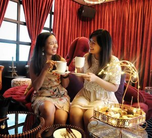 Waking up on Mondays from a beautiful weekend well spent with @alizasara over some tai tai moments at @maze_malaysia. Really tasty spread of both sweet and savoury treats which was well complemented by the selection of TWG Tea, Jing Tea and also their hand crafted Gin choices.  #mazemalaysia #clozette