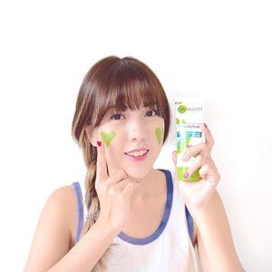 Have u tried the new #GarnierSG 1st Daily De-tox cleanser with antioxidant matcha extract? Woohoo matcha lovers would love it!!! 😍 Tried it for a week so far and I'm loving how it cleanses my pores and reduces excess oil to prevent acne recurrence 😁✌🏻️ Go try it too! It's retailing at only $5.90 at leading supermarkets & personal care stores 💕  #garniersg #garniermatchasg #sp #facialcleanser