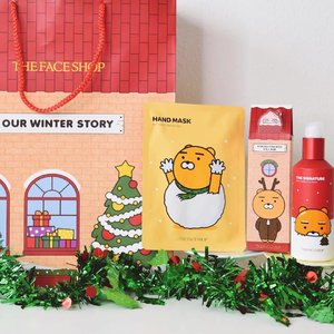 ✨Last minute Christmas Gift Ideas🎄✨ 😉 Here's two gift ideas from @thefaceshop_sg 's Limited Edition Kakao Friends Village! 😍  The Ryan Rich Hand Mask and The Signature Conditioning Serum✌🏻️ There's currently a 1 for 1 promo for the Limited Edition Kakao Friends Village Holiday Collection!💕 perfect for Christmas gifts, go grab them now!🎁 • • • • • #kakaofriends #kakaofriendsxthefaceshop #TheFaceShop #thefaceshopsg #christmasgift #giftideas #chloewlxmas #christmas2016 #chloewlflatlays #kbeauty