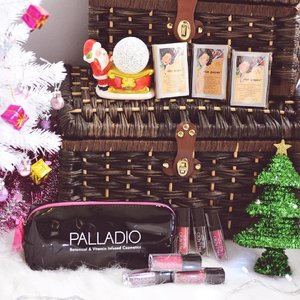 1 more day to the start of a new year!😎 Major love for @palladiosg lippies and rice paper 😍💕 this brand is one of my top favourites for 2016! The Colour payoff for the lip colours are awesome😁 creating more beauty looks with these lippies soon💋  Christmas is not over yet! Here's the last chance to redeem the free herbal lip gloss from @palladiosg this weekend! Head on down to NorthPoint @guardian_singapore for the giveaway! ✨ • • • • • #freelipgloss #sggiveaway #palladio #mypalladiobeauty #palladiosg #chloewlmakeup #chloewlflatlays #goodthingsmustshare