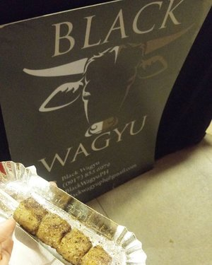 Can't get enough of this wagyu cubes from @blackwagyuph! 😋 Just so tasty & juicy! 😍  Salt & pepper is a favorite! 😁  #food #foodgasm #foodporn #yum #vscocam #vscoph #igers #igersmanila #blogger #bloggerph #mommydiaries #mommyblogger #teamshirubi #clozette 👑