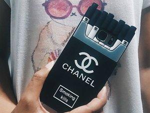 ☢My addiction - Fashion. Introducing my new handphone cover.  #chanel #cocochanel #samsungS7 #smokingkills #fashionaddict #clozette #starclozetter #clozettebloggerbabes #fashionblogger #fblogger #lifestyleblogger #lblogger #sgblogger #sgfashionblogger #influencersg #sglife #sglifestyle #igsg