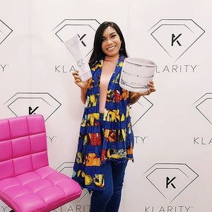 💕I was invited to @klaritysg Workshop and had a taste of the beautiful cupcakes made by @yumepatisserie. I absolutely LOVE all of the Klarity products I've tried which have shown me results in only a matter of days! I am definitely getting more! Full review of my experience and beauty tips by Klarity's founder, Karine Cheong, on the blog.  https://lovebellavida.com/2017/07/04/klarity-workshop/  GIVEAWAY🎁: Win a KLARITY 20% Voucher! Find out how to win on the blog. Giveaway ends on 31 July.  #klaritysg #yumexklarity #yumepatisserie #skincareworkshop #review #giveaway #sggiveaway #giveawaysg #sgcontest #contestsg #sgfree #freesg #ontheblog #clozette #starclozetter #clozettebloggerbabes #beautyblogger #bblogger #fashionblogger #fblogger #lifestyleblogger #lblogger #sgblogger #sgfashionblogger #influencersg #sglife #sglifestyle #igsg