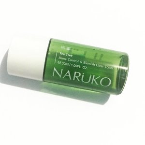Review: Naruko Tea Tree Shine Control & Blemish Clear Toner 🍃 Bought this mini bottle to try because of the shine control and blemish clear claims. I like its minty scent and how it was easily absorbed by my skin. I don't think it was able to control the shiny-ness or oiliness in my face because after applying this my face felt a bit sticky which is rather confusing. It is okay under makeup, didn't notice any difference. I've been using this for more than a month now but my blemishes hasn't cleared yet. So I guess this is worth a try because ymmv. I think this will be more suitable for those with normal to combi skin. 💖 I ordered a new toner to try and I'm excited! Stay tuned! #thesheetsubject #asianskincare #skincare #sheetfaced #koreanskincare #koreanproducts #skin #skinhealth #skincareroutine #kproducts #rasian #asianbeauty #kbeauty #acneprone #beautyblogger #beauty #skinglow #oilyskin #asianproducts #asiancosmetics #lifestyle #instaskincare #chokchok #rasianbeauty #productreview #clozette