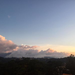 FLUFFY x Appreciating the temperature up here #baguio #clouds #sunset #clozette #vacay #philippines #famtrip #latergram #igers #potd