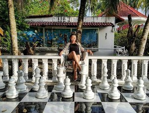 Checkmate 🔱👸 - - - #theeverygirl #flawsome #awesome #mybeautifulmess #abmlifeiscolorful #myunicornlife #peoplescreatives #clozette #thatsdarling #stylefeedph #girlboss #instagood #instamoodbooster #igers #igersasia #thehappynow #livinlifetothefullest #livethelittlethings #strongwomen #singleandhappy #positivevibes #slay