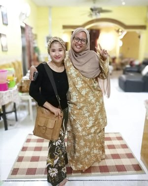 #TeamRayaPahang di @neyrashazeyra house.  #SalamLebaran2017 #SelamatHariRaya2017 #syafierayamincom  #blogger #iger #igermalaysia #BeautyBlogger  #Malaysianblogger #lifestyleblogger #lovetheraphy #art #artist #youtuber #clozette  #influencer #like4like #comment4comment #mommyblogger #ClozetteBloggerBabes  #shopmyenvicase #influencer #youcanbeanything
