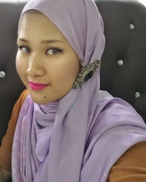 A very hectic day before the LEBARAN day tomorrow. Selamat hari raya maaf zahir & batin sahabat semua..minta ampun minta maaf jika ada silap & salah..gurau terlebih tu maaf ye.. Styling with @ladyqomash in Lebaran Collection Lilac9  #ladyqomash #Turban #ladyqomashLebaranCollection #SelamatHariRaya2017 #LebaranLilac9 #TheJourney #EasyToStyle #Hijabster #syafierayamincom #blogger #iger #igermalaysia #BeautyBlogger  #Malaysianblogger #lifestyleblogger #lovetheraphy #art #artist #youtuber #clozette  #influencer #like4like #comment4comment #mommyblogger #ClozetteBloggerBabes  #shopmyenvicase #influencer #youcanbeanything
