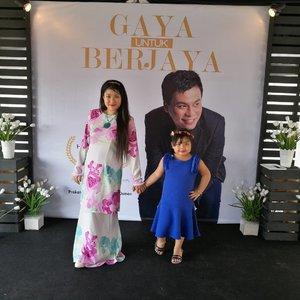 Di Majlis Perlancaran Buku Gaya Untuk Berjaya seorang pakar perunding imej oleh Hafiz Mustapha atau lebih dikenali @cutecarry . Macam menarik je kan dapat mengenali beliau lebih dekat.  #cutecarry #bukucutecarry  #TravelInKLwithKidsbelow5years #SuperMom #BeautifulMom 😅  #syafierayamincom #blogger #iger #igermalaysia #BeautyBlogger  #Malaysianblogger #lifestyleblogger #lovetheraphy #art #artist #youtuber #clozette #influencer #like4like #comment4comment #mommyblogger #ClozetteBloggerBabes #ShopMyEnvicase