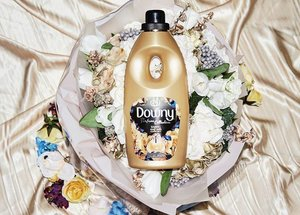 Hi beautiful souls ❤  I've just started using the new DOWNY DARING that LASTS LONGER THAN EXPENSIVE FINE FRAGRANCES. Now you can literally save a lot on perfumes by using DOWNY DARING 😍 It comes in a classy packaging, which is such a plus factor 💯 Get yours now & experience what I've experienced 🌹 Trust me, no regrets ❤ #Downy #DaringNeverFades #Clozette
