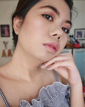 K-Pop style makeup look using products from @rucysvanityph.💖 More details on how I created this look on my latest blog post (Link on bio) PS Really lovin' my ombre lips.💋✨ #rucysvanityph #clozette #bloggerbabes