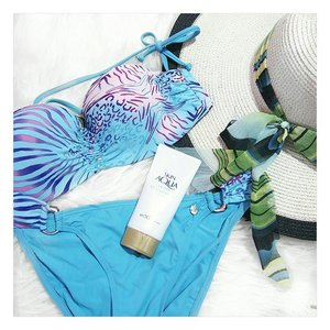 Enjoy the most in this summer, but remember to protect your skin with sunscreen!  #clozette #beauty #fashion #flatlays #skinaqua #summer #lifestyle #skincare #holiday #flatlay #instabeauty #potd #igmalaysia