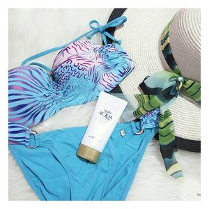 Enjoy the most in this summer, but remember to protect your skin with sunscreen!  #clozette #beauty #fashion #flatlays #skinaqua #summer #lifestyle #skincare #holiday #flatlay #instabeauty #potd #igmalaysia #bblogger #fashionblogger #bloggermalaysia