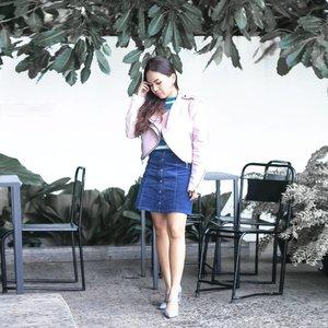 Starboy💥 📷 @sartob . . . #clozette #fashionblogger #ootdindo #ootd #ootdmagazine #instagood #vsco #vintage #abmlifeiscolorful #wearetravelgirls #darlingmovement #dametraveler #starboy #pink #socality #lookbook #outfit #minimalist #thehappynow