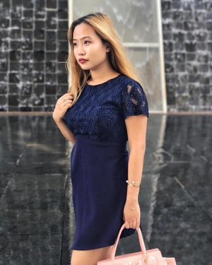 Sundays... It's been a while 😍 Loving this overlap dress from @thestagewalk that's perfect for both play and work! 💓#tswootd #ootdsg #clozette #fashiondiaries #wiwt #aboutalook #classyandfashionable #sgfashionweekly
