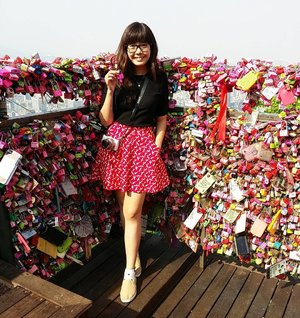 We left our love lock secured at Namsan Tower/N Seoul Tower back in 2015! Oh ya, the most 'authentic' experience is heading up the Namsan Oreumi elevator before joining the queue for the cable car ride to reach the tower like what we did (though the queue was horrible)! If you are interested, I documented our whole experience on the blog. Read it if you're bored at work (travelogue updated every Sunday) => http://bit.ly/mitsuekitravels #mitsuekitravels #wxdaphseoul #clozette #namsantower #nseoultower #lovelock