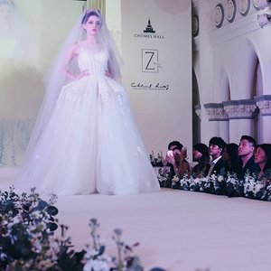 Will you still love me when I'm no longer young and beautiful?  One my fave gowns in the entire #zweddingxchijmes2016 collection, pop over to my dayre @paper kitties Day 92 to read up on this amazing bridal show! #Zwedding #sgbrides #singaporebrides #sgwedding #wedding #sgig #weddingsg #bridestobe #sgweddings #clozette #weddinginspiration #weddinginspo