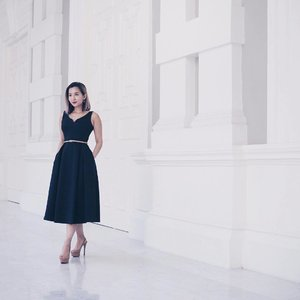 I may own a tad too many navy dresses, but it can't be helped when they look so perfect to me - like this midi from @vgystore ❤x . #clozette #leneyootd #ootd #vgyootd #vgystore