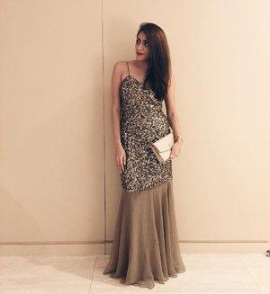 Wore this sparkling number by @batuabybarsha for a friend's wedding reception last night ✨ #wiwt #ootd #ootdsg #ootdcampaign #welovecleo #ootdinspiration #lookbook #lookbooksg #vscocam #style #streetstyle #fashion #fashionista #fashionblogger #clozette #clozetter #sgfashionistas #igsg #igfashion #igstyle #instafashion #sgfashion #potd #stylexstyle #batuabybarsha #ferragamo #lastnight #friendswedding #gown