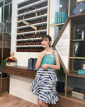 Had such a wonderful time at Creme Simon Boutique Store last week! I must say that I am a fan of their Wellness Tea - especially Skin. Do drop by their store at OUE Downtown and give the teas a try.  P/S: You can find their skincare items there too! #cremesimon