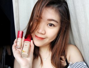 A LASTING FOUNDATION THAT IS ALSO HEALTHY FOR YOUR SKIN?  Get a vitamin-infused formula for your face now! I'm so glad to be introduced to @bourjoissg 's Healthy Mix & Anti-Fatigue Foundation & Concealer.  Trust me, i'm not a foundation person. I usually use only a BB cushion pact, but this foundation is so light weight on my skin & INSTANTLY gives me the glow and radiance that i need.  And the concealer? It's AMAZING. Erases my dark circles and leave me looking fresh and less tired.  Don't believe? Check out my review post, now uploaded on blog!  Also, VITAMINS FOR YA SKIN? The new blend now contains Vitamin C, E and B5!! Thank you for sending me these beautiful mix @samplestore 💕💕💕 #bourjoissg #otwtohealthymix #samplestore #sgreview #beautyblogger #sgblogger #beautyproducts #instabeauty #concealer #foundation #healthy #asian #girl #clozette #makeup #skincare #vitamins #sauceink #selfie #photooftheday #sgig #lovehealthymix #myfatpocket