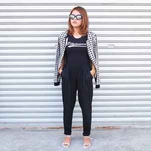 Outfit featuring @pilipinasootd top, @ripplesbyjenny bomber jacket, @keishoppe lounge pants, and @yourfashionlounge sandals. 😎 #OOTDbyFaye #pilipinasootd #Clozette